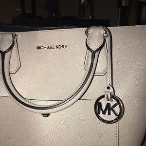 NWOT Gray silver extra large Michael Kors bag